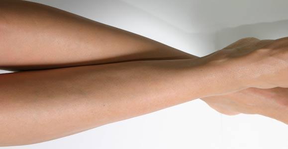 Как избавиться от волос на ногах и на руках