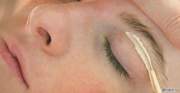 Как удалить волосы на лице воском